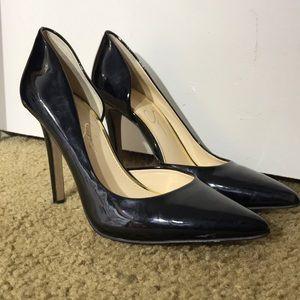 Jessica Simpson black pumps